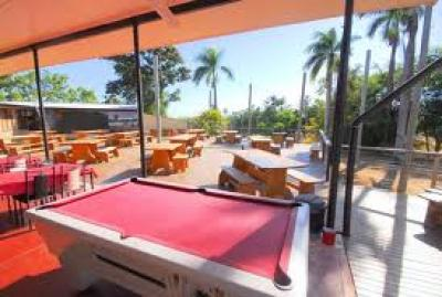 Rollingstone Hotel - image 3