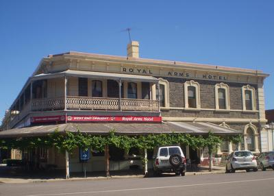 Royal Arms Hotel
