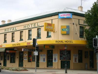 Royal Hotel - image 1
