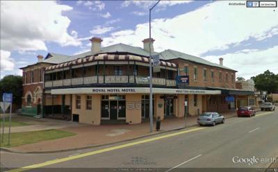 Royal Hotel Motel - image 1
