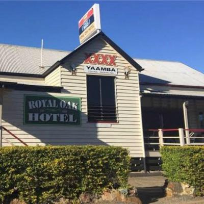 Royal Oak Hotel - image 2