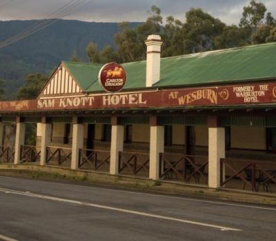 Sam Knott Hotel