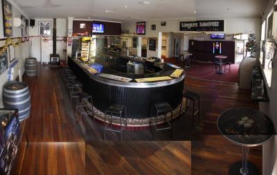 Shamrock Hotel - image 10
