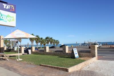 Shark Bay Hotel - image 2