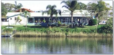 Smithtown Riverview Hotel
