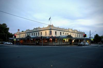 Soden's Hotel Australia - image 1