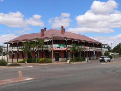 Southern Cross Palace Hotel