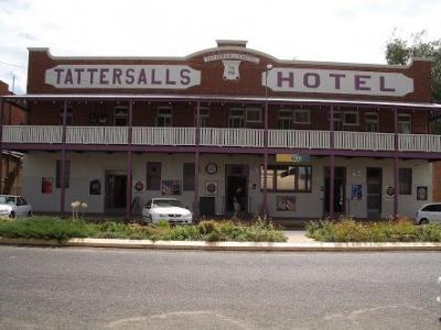 The Tattersalls Hotel - image 1