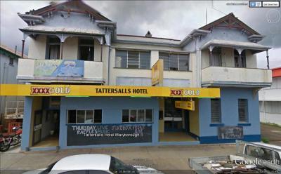 Tattersalls Hotel - image 1
