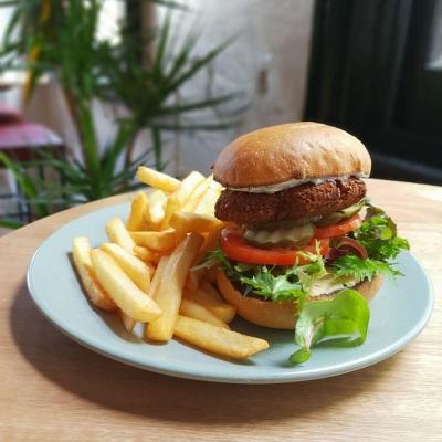 Falafel & Hummus Burger