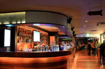 The Lucky Shag Waterfront Bar - image 2