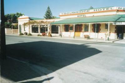 Troubridge Hotel