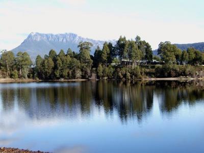 Tullah Lakeside Lodge - image 3