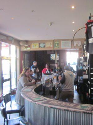 Turf Club Hotel - Bev and Mick's Backpackers - image 2