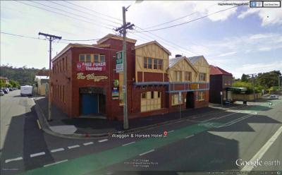 Waggon & Horses Hotel - image 1