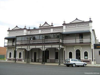Warwick Hotel