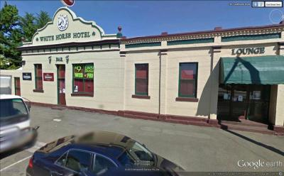 White Horse Hotel - image 1