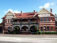 Albion Hotel - image 1