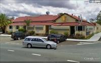 Bushman's Arms Hotel - image 1