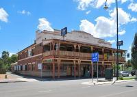 Club House Hotel - image 1