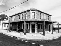 Coffeys Hotel - image 1