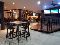 Coffs Harbour Hotel - image 2