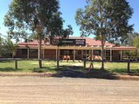 Collie Hotel - image 1