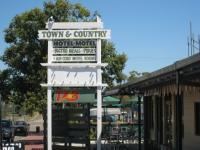 Collinsville Town & Country Hotel