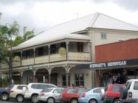 Commercial Hotel (Middle Pub)