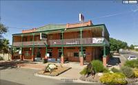 Cricket Club Hotel - image 1