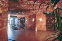 Desert Cave Hotel Motel