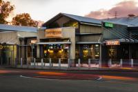 Northlakes Tavern - image 1