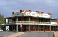 Punt Hotel - image 1