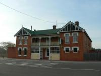 Railton Hotel - image 1