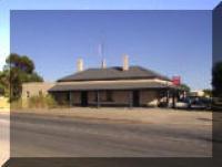 Robertstown Hotel