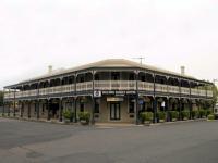 Roche's Family Hotel