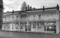 Royal George Hotel - image 1