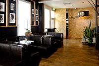 Tivoli Hotel - image 2