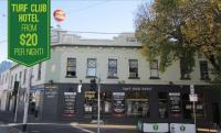 Turf Club Hotel - Bev and Mick's Backpackers - image 1