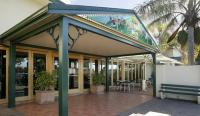 Twin Willows Hotel - image 1