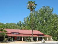 Vine Hotel