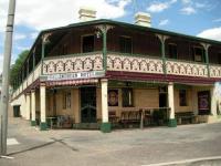 Wallendbeen Hotel