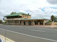 Wokalup Tavern